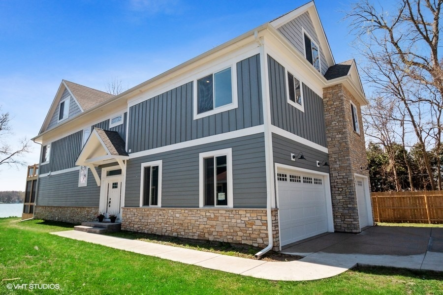 35 Roseanne Court, Twin Lakes, WI 53181