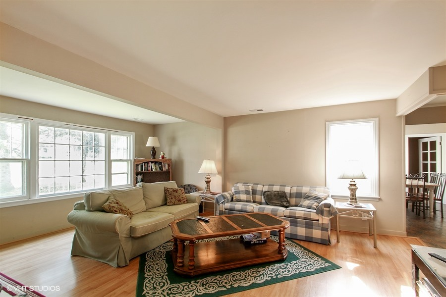 04_3921990thplace_3_FamilyRoom_LowRes