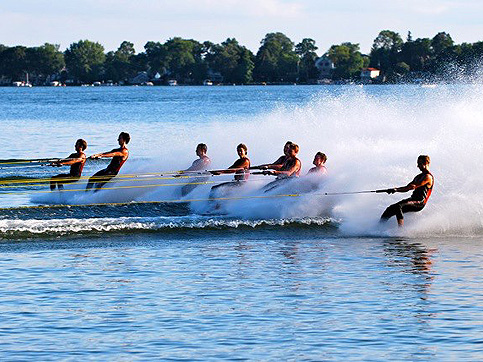 Aquanut Watershows  – Water Ski magazine highlights the Aquanuts!