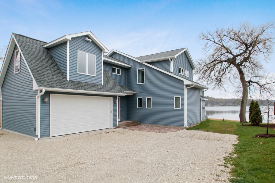 01_415Lakeview_57_FrontView_LowRes