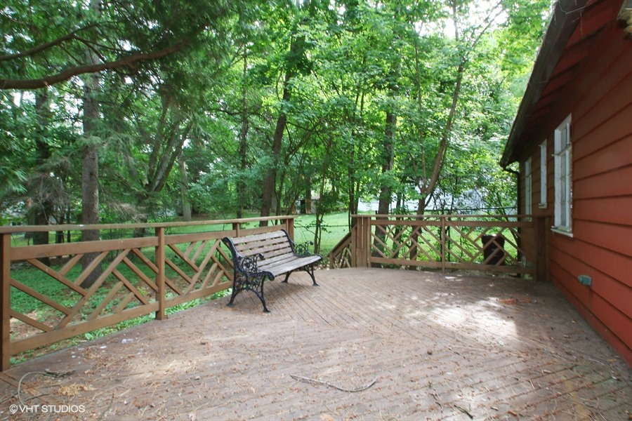 06_516PinewoodTrail_66_Deck_LowRes